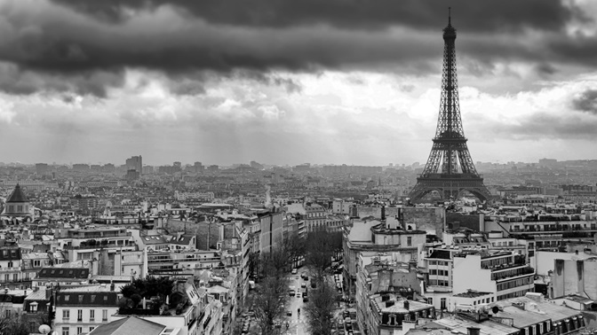 Dark shadows over Paris; Copyright: www.photocase.com / Andre Schuett