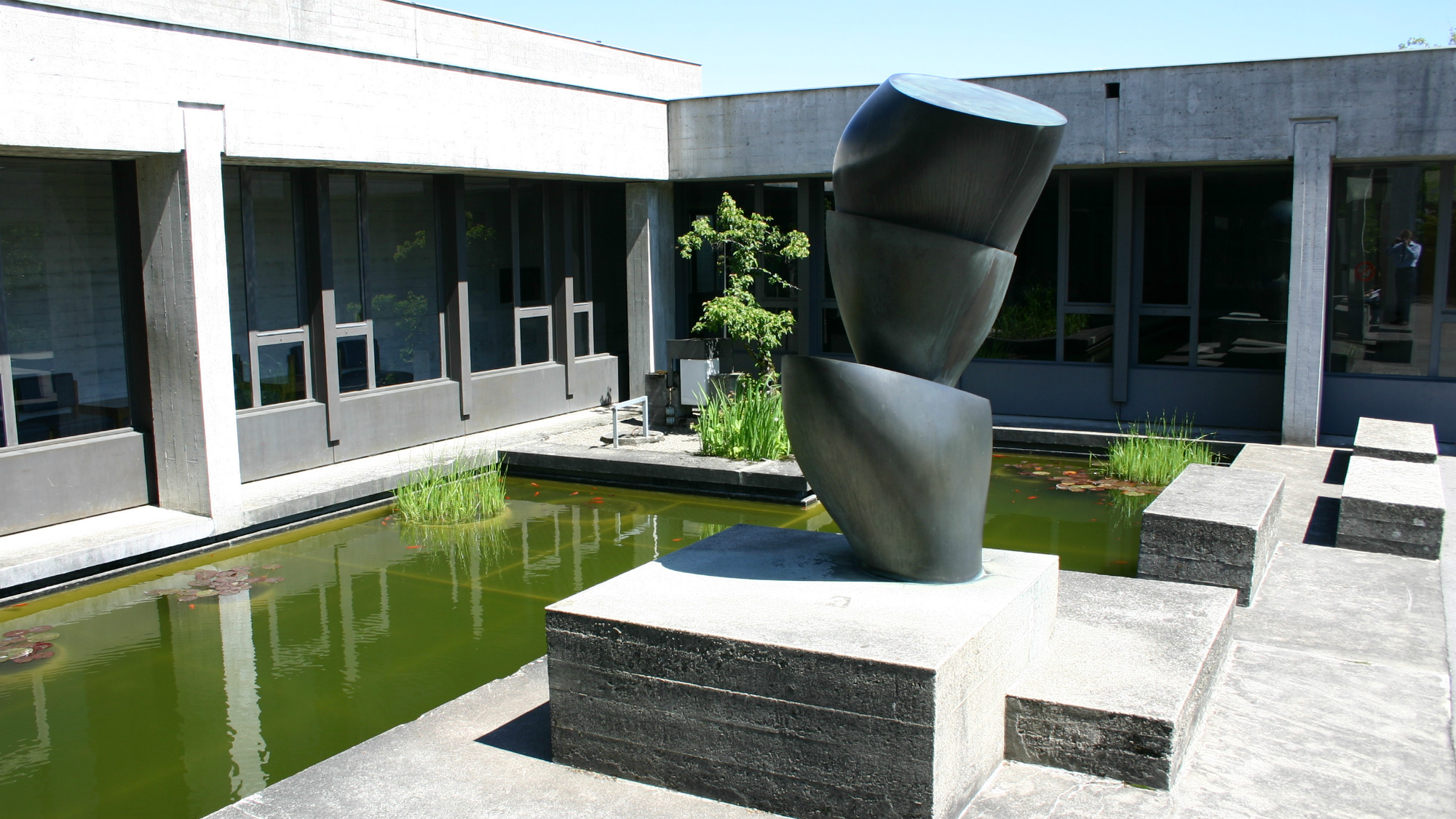 "Hans Arp's ""Schalenbaum"", a piece of art made out of bronze at the University of St.Gallen (HSG)"